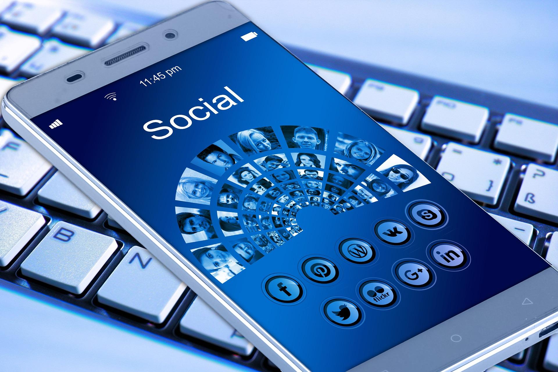 1917737_1920_L_mobile-phone-_Social Media - Copy